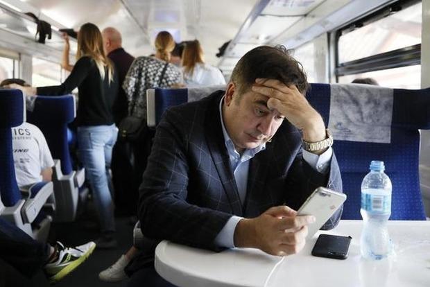 Из-за Саакашвили в Польше остановлен поезд. Пассажиры пересядут на автобусы