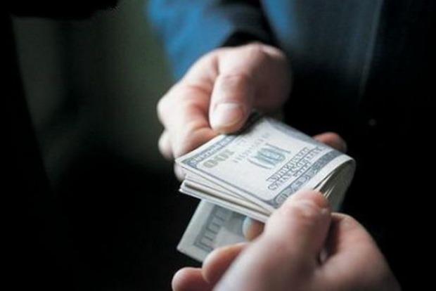 В аэропорту Харьков задержали полицейских, вымогавших деньги с иностранцев