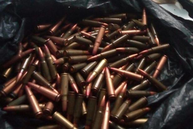 В Одессе школьница раздавала одноклассникам боевые патроны