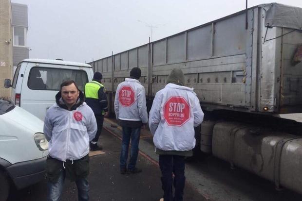 В Черкасской области водителю фуры за перегруз выписали штраф в 1000 евро