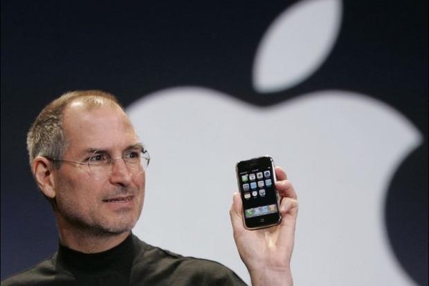 С юбилеем, дорогой iPhone. Модному телефону сегодня исполнилось 10 лет