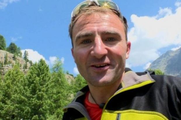 При восхождении на Эверест погиб самый известный альпинист