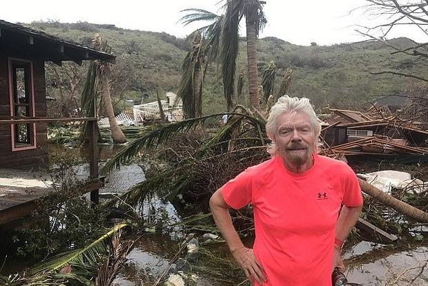 Миллиардер Ричард Брэнсон остался без дома в результате урагана Ирма