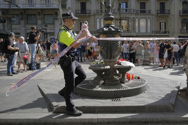 Полиция застрелила исполнителя теракта в Барселоне – СМИ