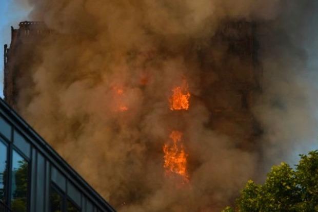 В Лондоне пылает 27-этажный дом: 15 пострадавших