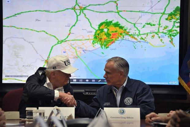 Дональд Трамп пожертвует $1 млн пострадавшим от урагана «Харви»