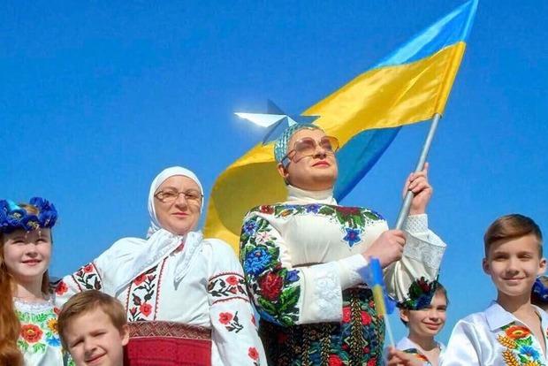 Лоза переживает за загнобленную в Украине Сердючку