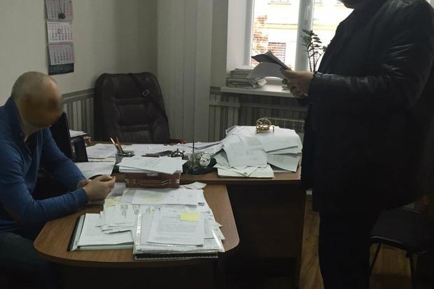 В Киеве задержали за взятку первого проректора академии водного транспорта