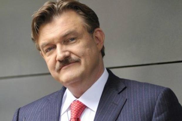 Порошенко пообещал оказать необходимую помощь журналисту Евгению Киселеву