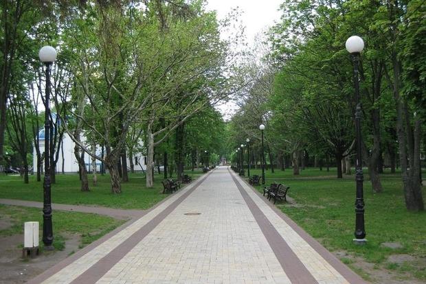В Киеве обещают обустроить 13 скверов и один парк