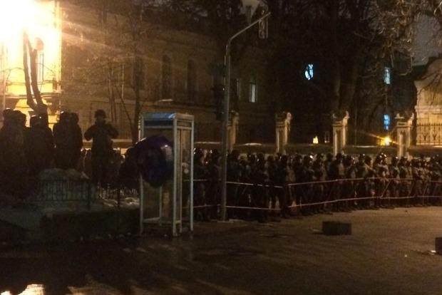 В Киеве началось факельное шествие в память о героях Небесной сотни