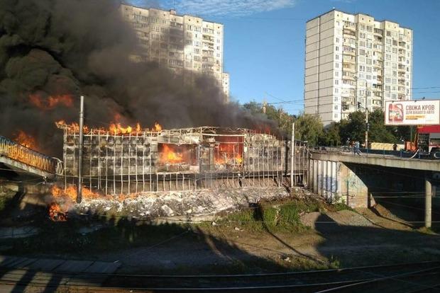 Пожар на рынке Колибрис привел к транспортному коллапсу