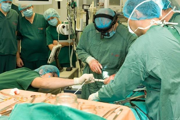 Железное сердце: в Киеве имплантировали механическое сердце
