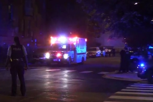 В США ребенок обнаружил огнестрельное оружие и выстрелил в двух детей