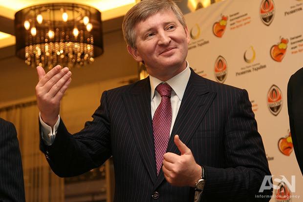 Променяли стратегическое оружие на Ахметова: политолог указал, кто продал Украину