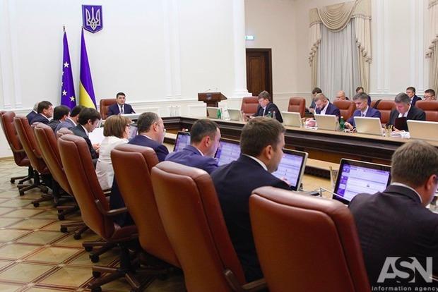 Гройсман: Украина собрала отличный урожай и обеспечила запас на зиму