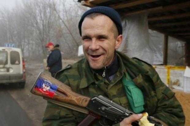 На Донбассе местные подрались с оккупантами из-за требования угостить боевиков алкоголем