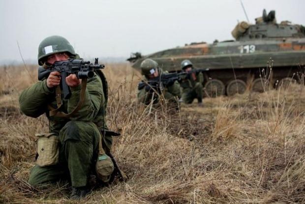 РФ начала в оккупированном Крыму масштабные военные учения