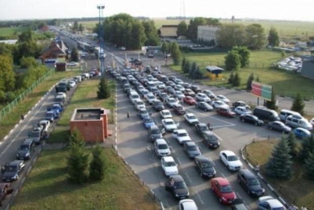 На границе с Польшей стоят тысячи автомобилей