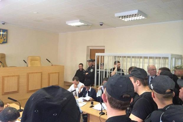 Судья, рассматривающая отвод судьи Карабаня, ушла в совещательную комнату