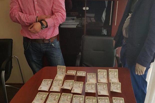Преподаватель киевского университета требовал от студента 13 тысяч гривен
