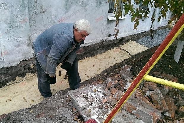 Строители в Бердянске откопали бивень мамонта