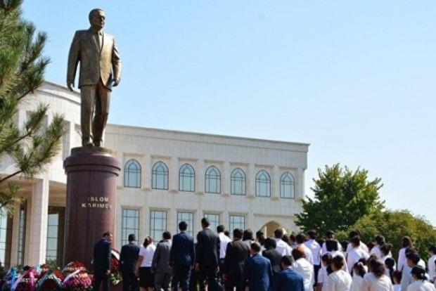 Развенчание культа: на телевидении Узбекистана запретили упоминать имя бывшего президента