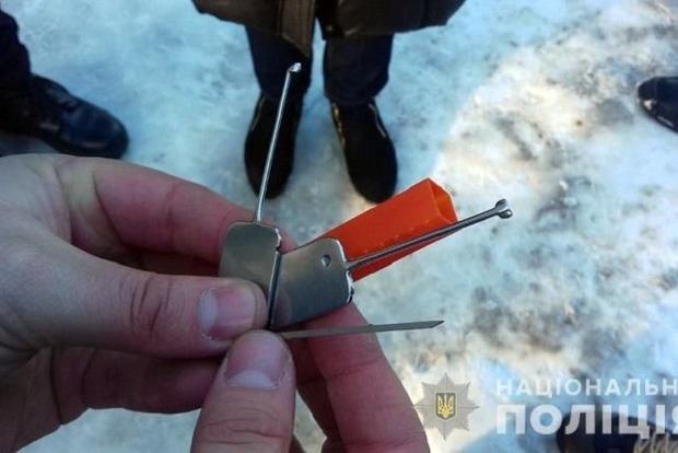 В Киеве задержали новую группу находчивых воров-квартирников