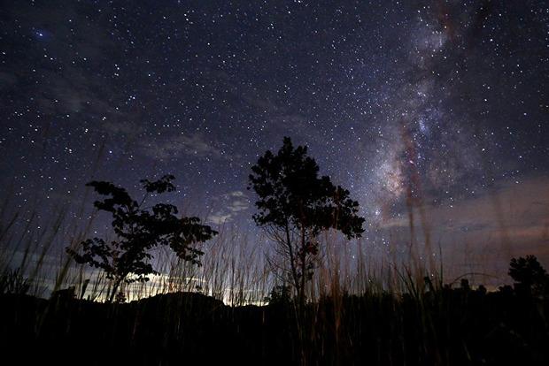 Що таке метеоритний дощ Персеїд і як краще за ним спостерігати з 11 серпня