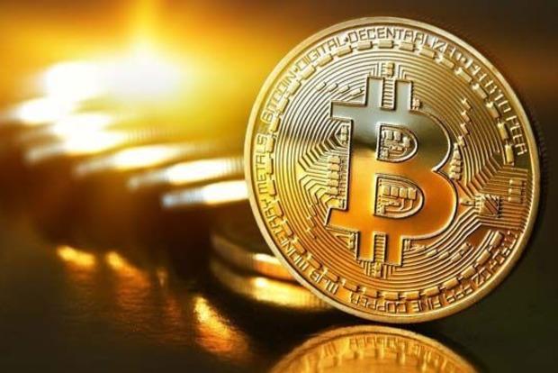 За добу курс Bitcoin впав на 25%