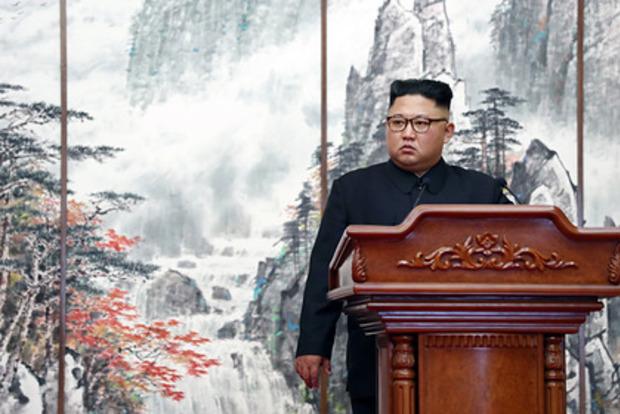 Перешел в вегетативное состояние. Появилась новая информация о состоянии Ким Чем Ына