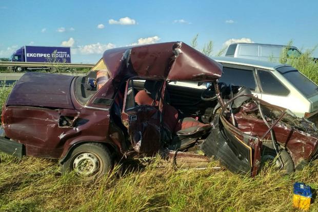 Столкнулись два корыта: в ДТП погиб пассажир советского ВАЗ