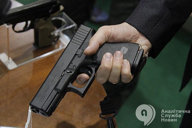 На Харьковщине мужчина открыл стрельбу из ружья, пострадал подросток
