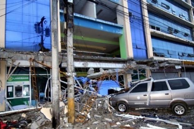 Растет количество пострадавших от землетрясения в Китае. Опубликованы фото