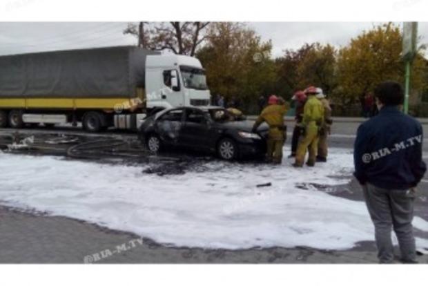 У Мелітополі в машині на ходу розірвало газовий балон. Водій в шоці забіг невідомо куди