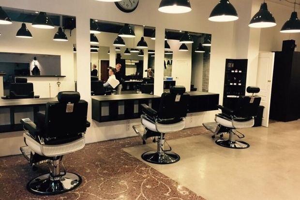 В Одессе иностранец устроил драку из-за пропущенной очереди к парикмахеру