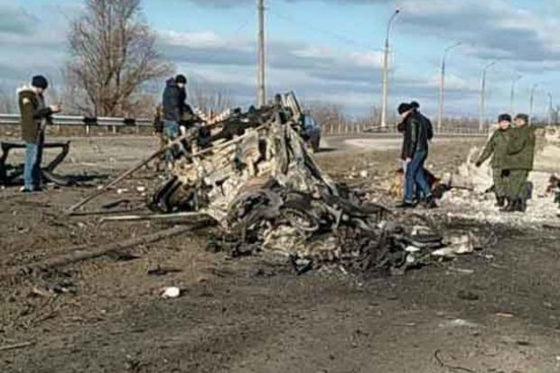Число погибших при взрыве автомобиля на КПП в Донбассе возросло