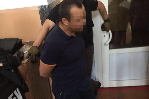 Работник Киевского военного лицея задержан на взятке