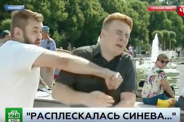 Російський журналіст, який отримав у щелепу від десантника, наклав на себе руки
