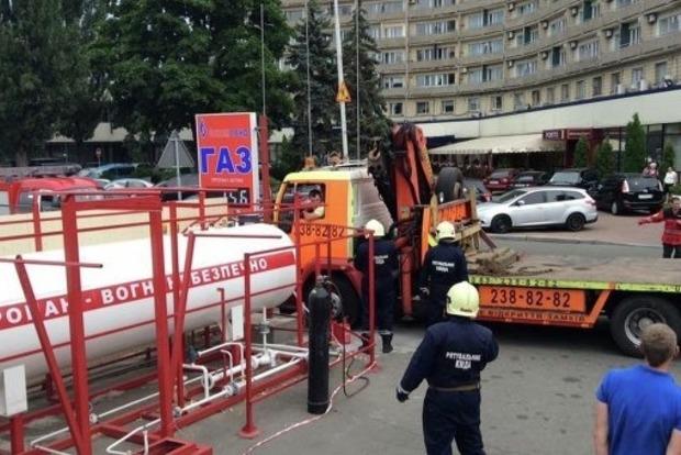 Последние 10 незаконно установленных в Киеве газовых АЗС демонтируют за 2 дня - КГГА