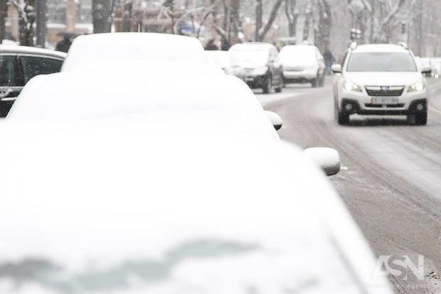 Гололед: Правила выживания водителей в большом городе