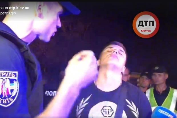 Поліція в підгузках. У Києві п'яний психопат розбив чотири авто і йому за це нічого не буде