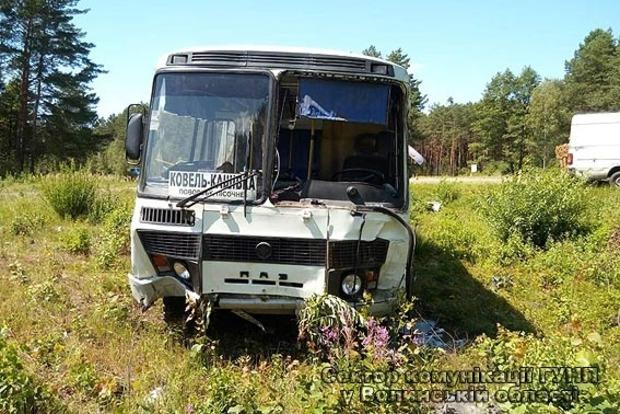 На Волыни после ДТП с участием автобуса в больницу доставили 10 человек (фото)