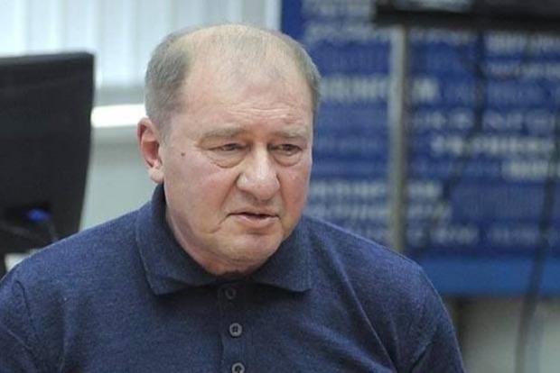 Крымчане пришли к посольству РФ в Киеве с требованием освободить Умерова