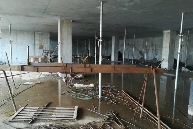 Скандальная стройка на Андреевском: Киевсовет разорвал договор аренды