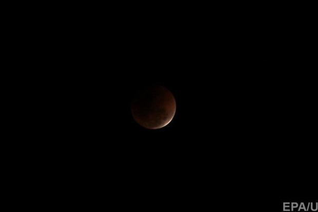 Сегодня состоится самое продолжительное лунное затмение XXI века