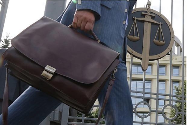 Підозрюваних в Україні роками тримають у СІЗО, щоб вибити явку з повинною - юрист
