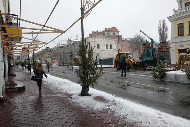 Зомби-апокалипсис. Киевлян возмутила новогодняя инсталляция