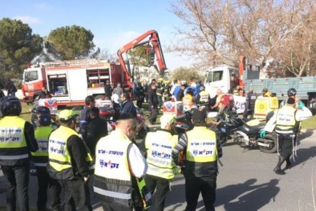 Появилось видео теракта в Иерусалиме, где грузовик врезался в солдат