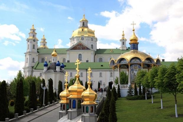 Почаевские монахи похитили более двух десятков бесценных икон